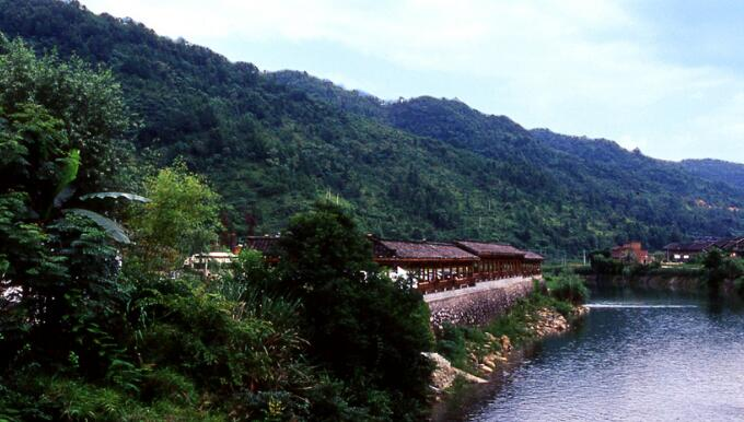 平塘县塘边镇星球度假村建设项目