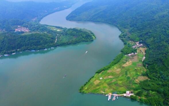 昭平县翡翠湾休闲度假区项目