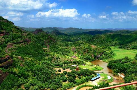 达州市万源市烟霞山生态旅游综合开发项目